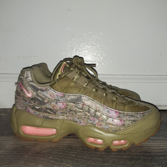 Nike Shoes | Airmax 95 Floral Camo